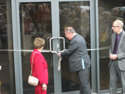 Mayor opens new extension