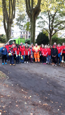 MAD 2016 Aldershot - park clean-up