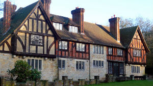 picture of a tudor style house