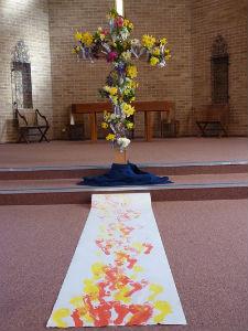 Messy Church Footprints to the cross 16