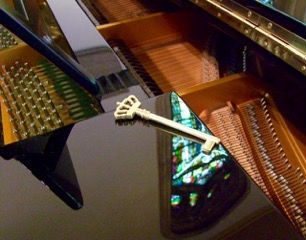8th Photograph of the Grand Piano