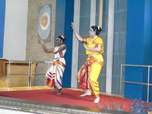 Older Indian dancers