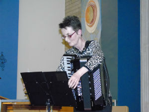 Pauline and her accordion