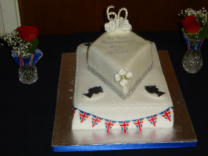 A lovely cake made by Ruth Potts