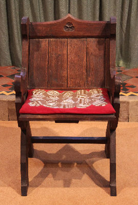 Bishops Chair: Photo C Kebbell