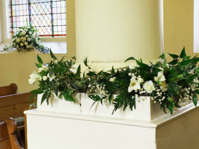 Flowers at Sundays wedding