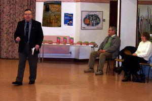 Rev Ketton speaking to the children