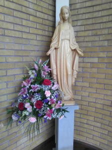 Wedding flowers for Our Lady