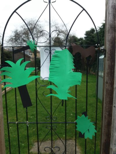 Palm Sunday - Children work