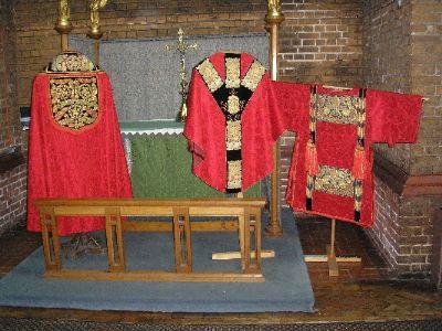 Red High Mass Set
