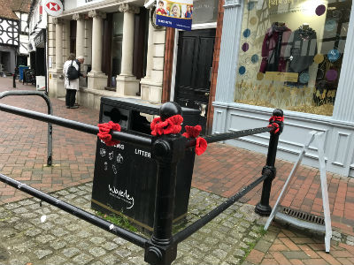 MAD 2017 Godalming poppies in the street