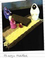Mary honours Jesus