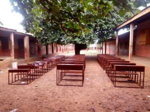 Tishigu school desks