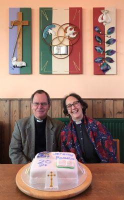 Jeremy & Pamela with cake