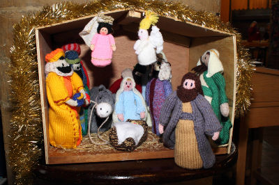 Wooly Knitted Crib Scene