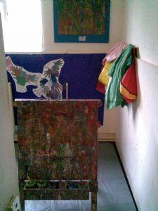 5 children painting
