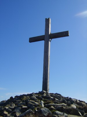 Cross on Gollon Hill
