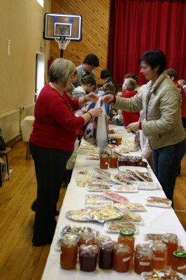 Jame, cakes, tray bakes, shortbread, cookies, knitted bunnies, easter eggs for sale.