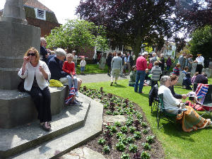 Picnic in the churchyard
