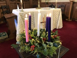 Advent wreath all candles lit