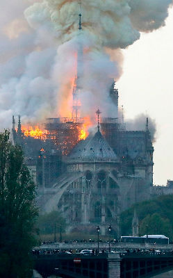 Notre Dame - on fire