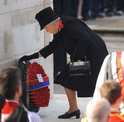 Remembrance 2016 - Her Majesty