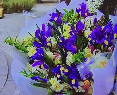 HMQ - Covid bouquet close up