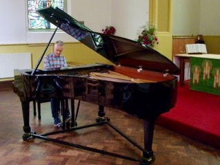 11th Photograph of the Grand Piano
