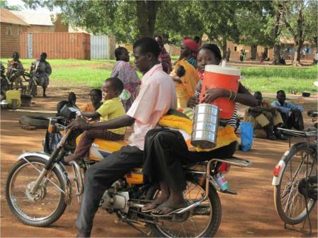 general scene in Wau inc people on cycles
