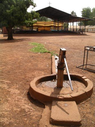Water pump - well or bore hole