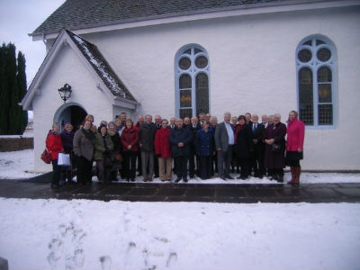 Members of both kirk sessions at Kilmonivaig after agreeing to call Rev Richard Baxter to the linked charge.