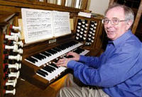 richard stephens playing organ