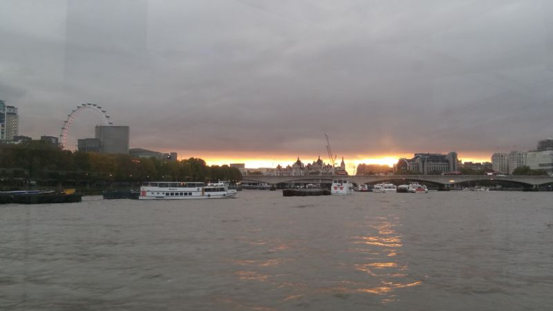 thames river cruise scene_Oct 2019