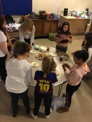 Children and cookies