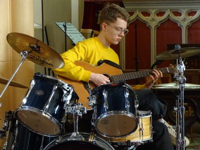 The amazing Dan with drums and guitar