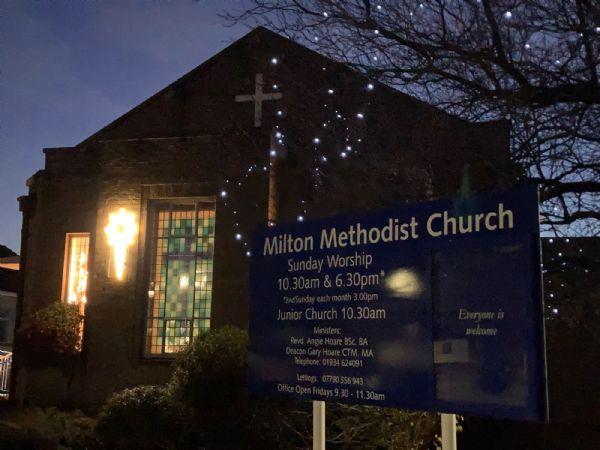 Christmas lights at Milton