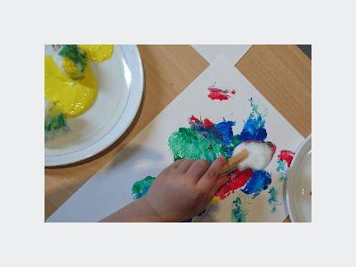 children painting 2