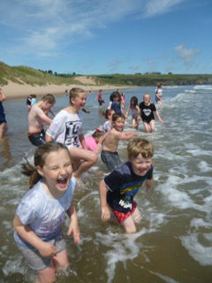 explorers in sea at lunan