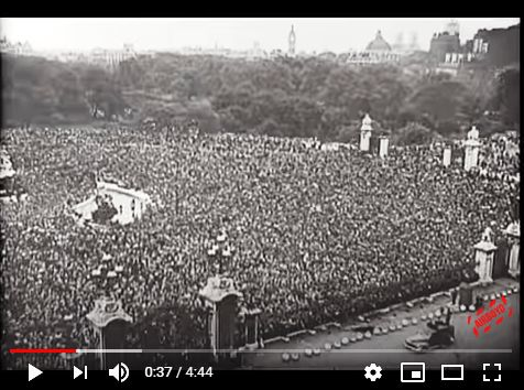 VE Day crowds in London
