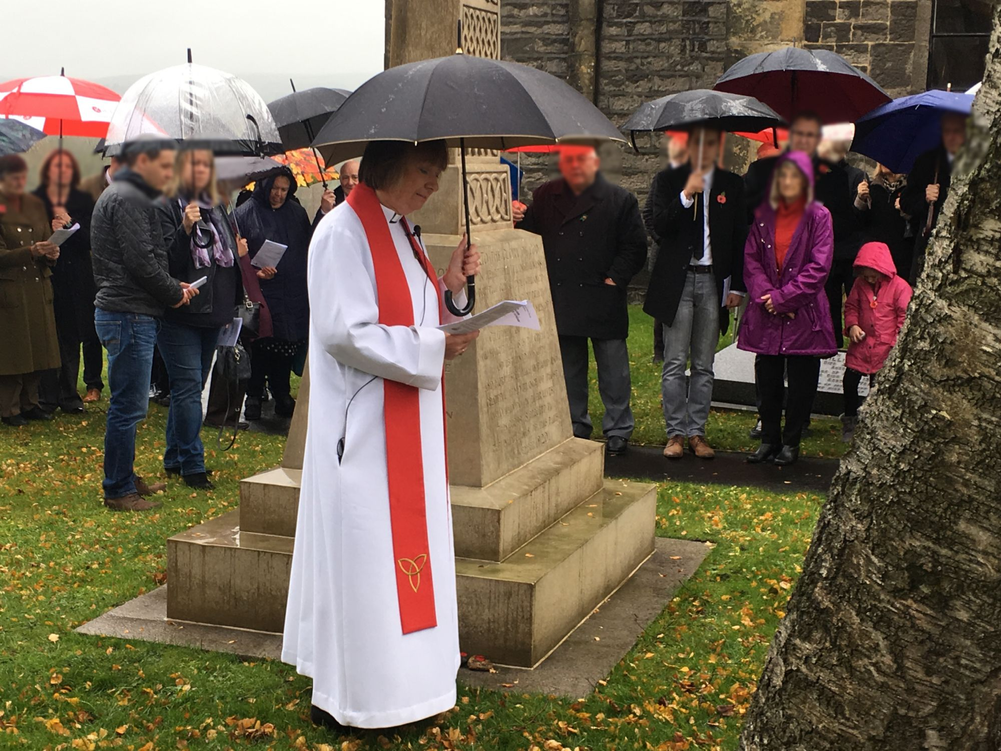 Revd Catherine Hale-Heighway delivering the remembrance service 11/11/2018