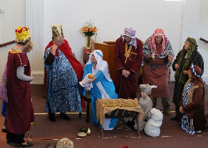 Three kings see the baby