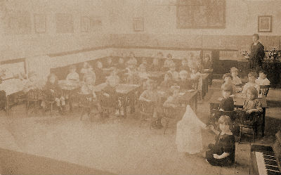 Class 1 at St Stephens School, 1925. Courtesy of Elizabeth Pearson.