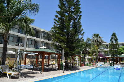 Hotel and swimming pool