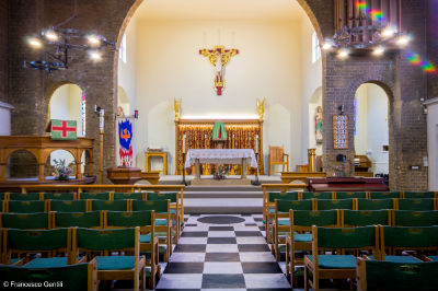 Central nave altar