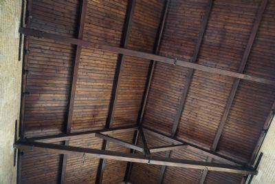Cleaned roof beams