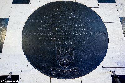 Floor stone marker