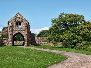 Cleeve Abbey gateway