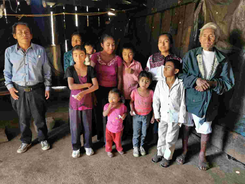 Miguel Pérez Diaz and his family in Tajlevilhó, San Andres Larrainza Municipality, Chiapas