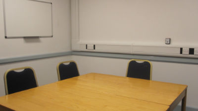 Classroom G floor seats 6