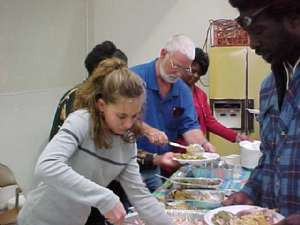 Homeless Helpers feed the Homeless on Thanksgiving